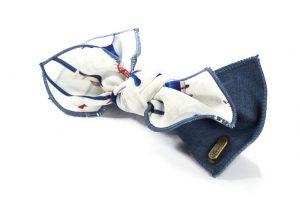 סיכה ג'ינס עם הדפס