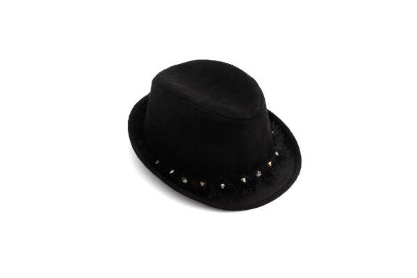כובע בנים ניטים