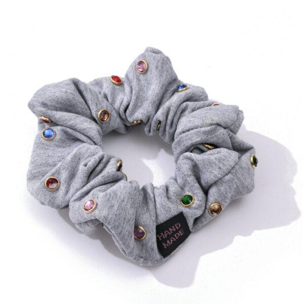 גומיה אבנים צבעוניות